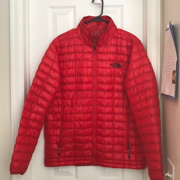 432f90c90 The North Face Thermoball Men's Puffer Jacket Red
